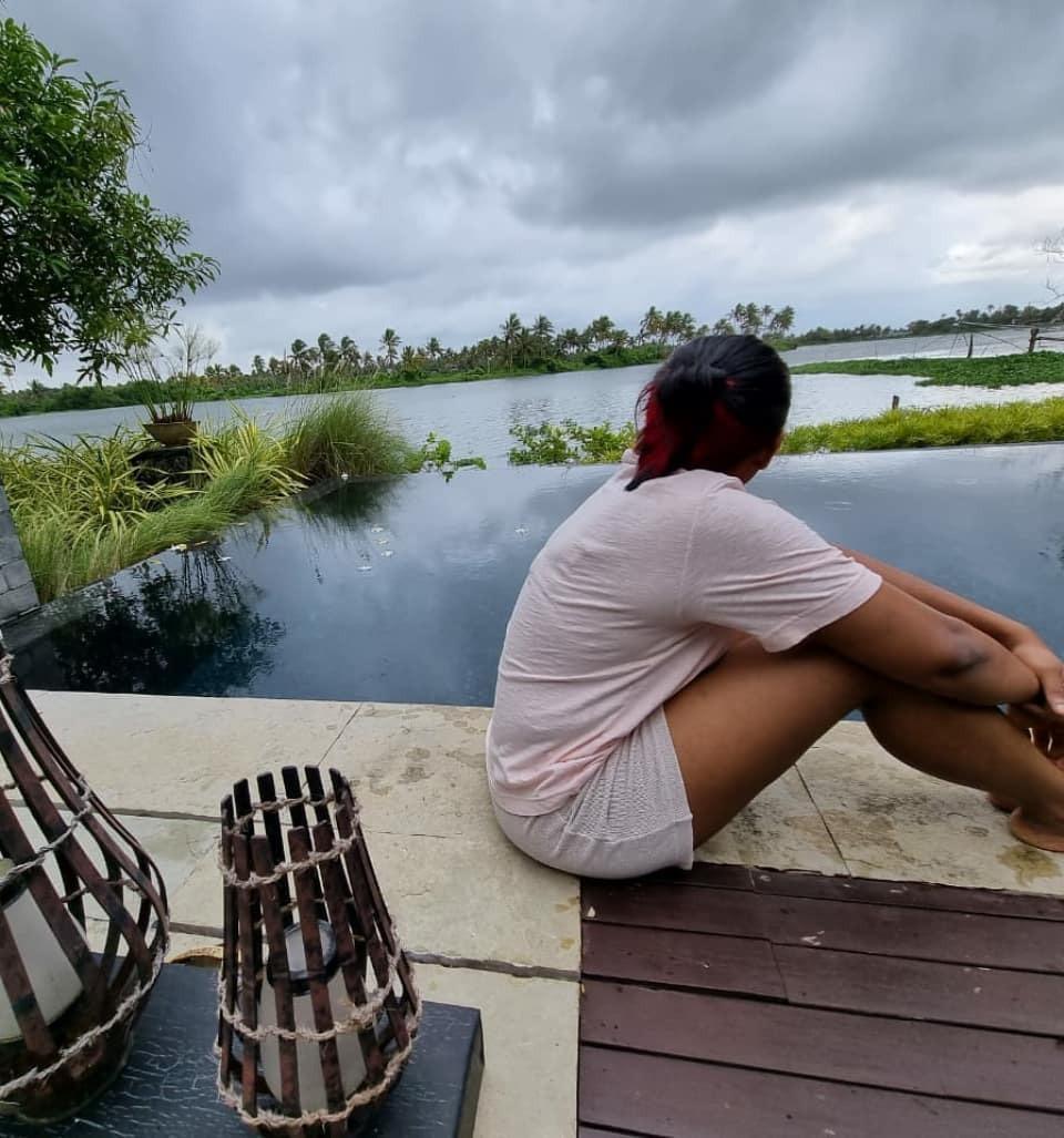 നടന് ലാലിന്റെ മകള് മോണിക്കയ്ക്ക് പിറന്നാള്: ആഘോഷിച്ച് ബാലു വര്ഗീസ് ആരാധകരും