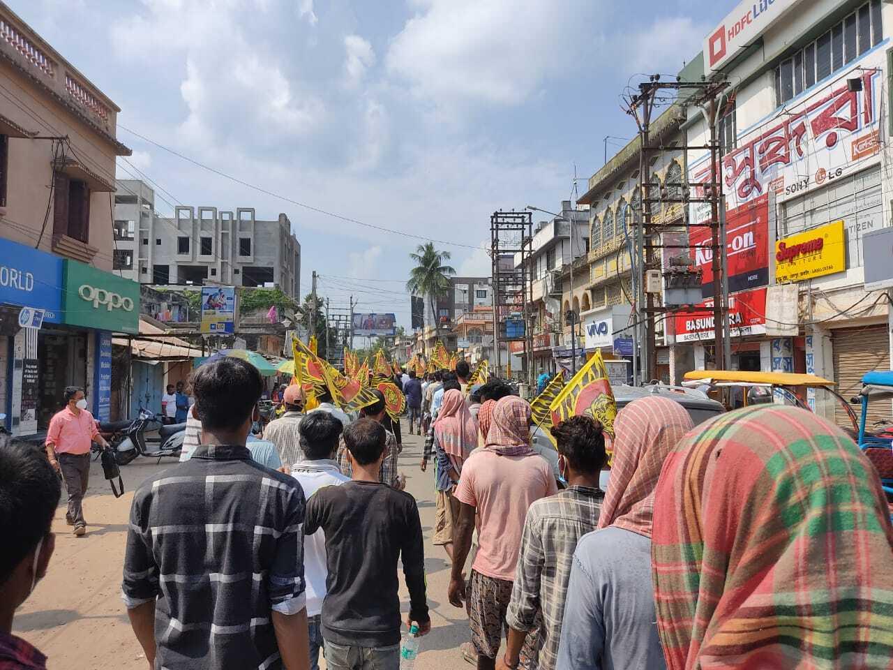 বিশ্বভারতীর উপচার্যের বিরুদ্ধে বোলপুরের পথে 'বাংলা পক্ষ'