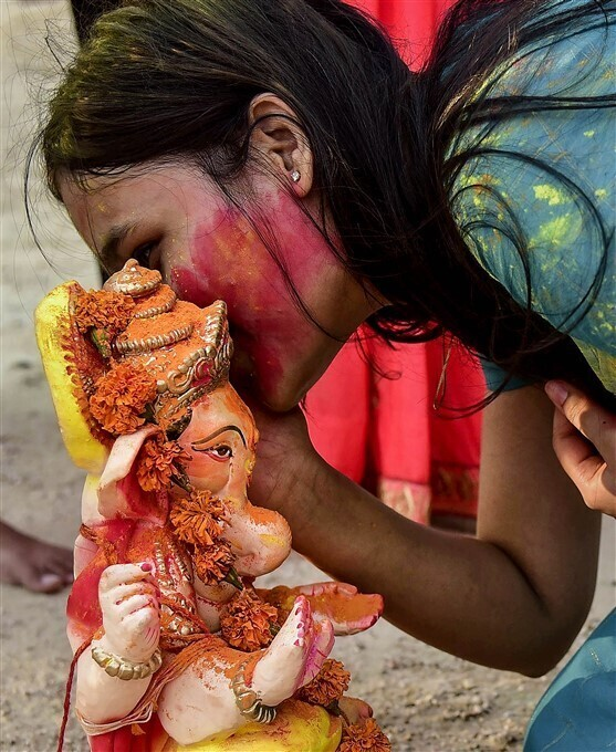 গণেশ বিসর্জন ২০২১  গণপতি বাপ্পা মোরইয়া মঙ্গল মূর্তি মোরইয়া