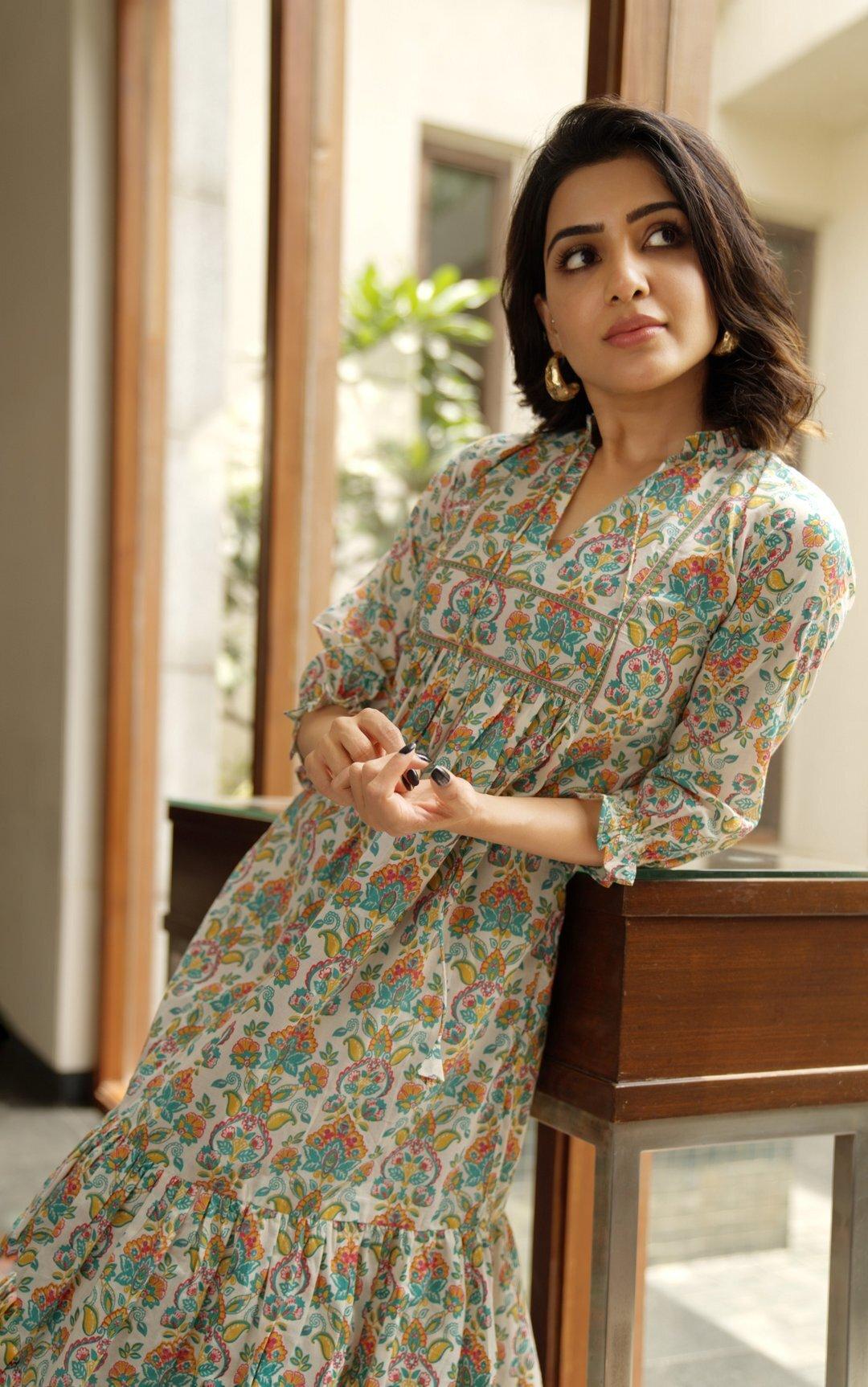SamanthaAkkineni: స్మైలీ బ్యూటీ సామ్ ఇంట హాట్ గా ఎపుడు చూసి ఉండరు (ఫొటోస్)