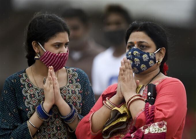 Ganesh Visarjan 2021: गणपति बप्पा मोरया अगले बरस तू जल्दी आ...
