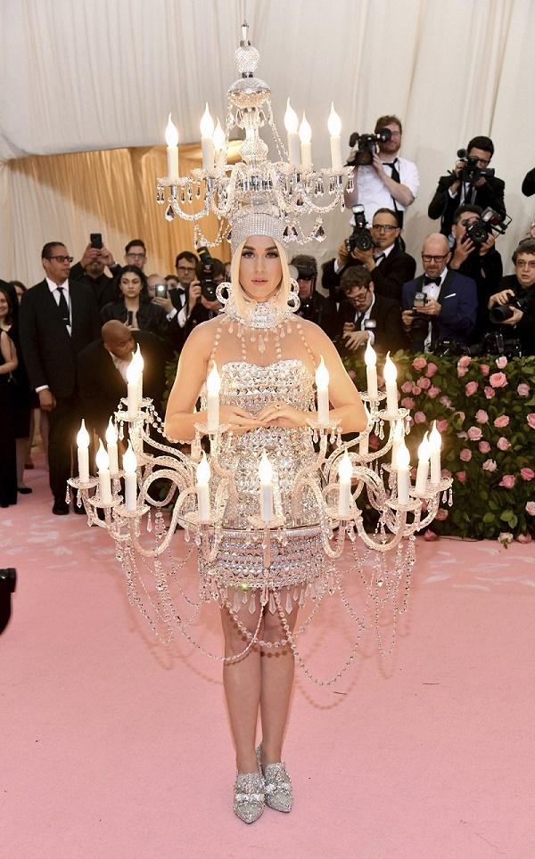 MET Gala में दिखा सेलेब्स का जलवा, फैशन देख घूम जाएगा सिर